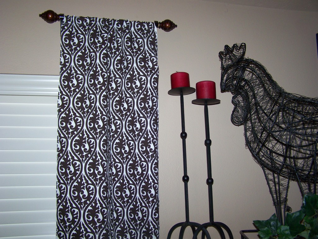 short curtain rods good ideas and tips. Black Bedroom Furniture Sets. Home Design Ideas