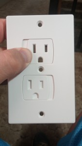 Self closing outlet covers