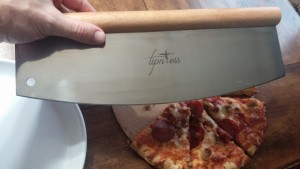 TipNToss Rocking Pizza Cutter
