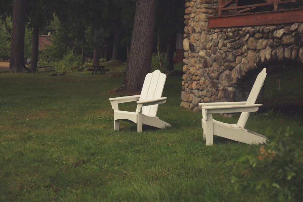 backyard ideas lawn chairs